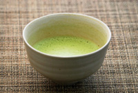 茶道のお手前にも使用する1kg50000円の高級抹茶をたっぷりブレンド